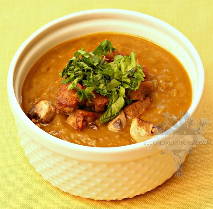 split pea soup with seitan and mushrooms