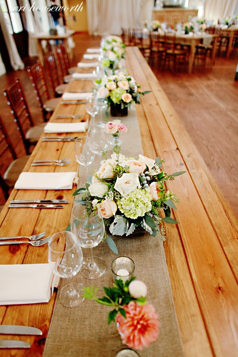 Wedding DAY OF Stationery CHECKLIST - Wedding stationery communicates with guests what to expect and is a polite way of providing guidance along the way. While all stationery is not necessary, keep in mind that it is a great way to make guests feel welcomed, informed and included.