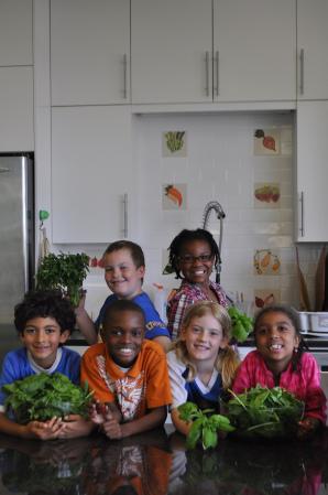 FoodPrints students in the FoodLab at Watkins.