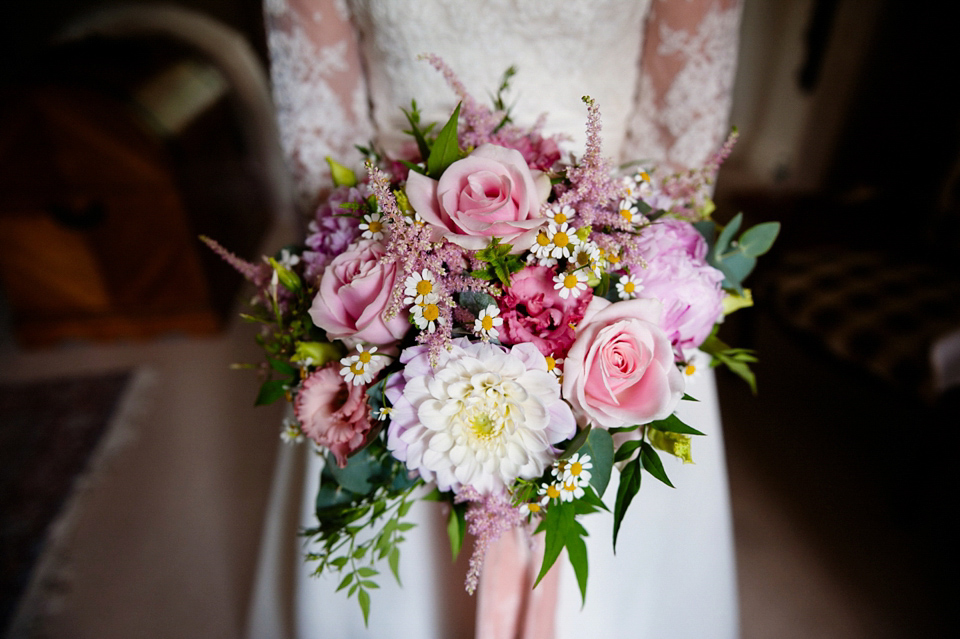lauren wedding flowers.jpg