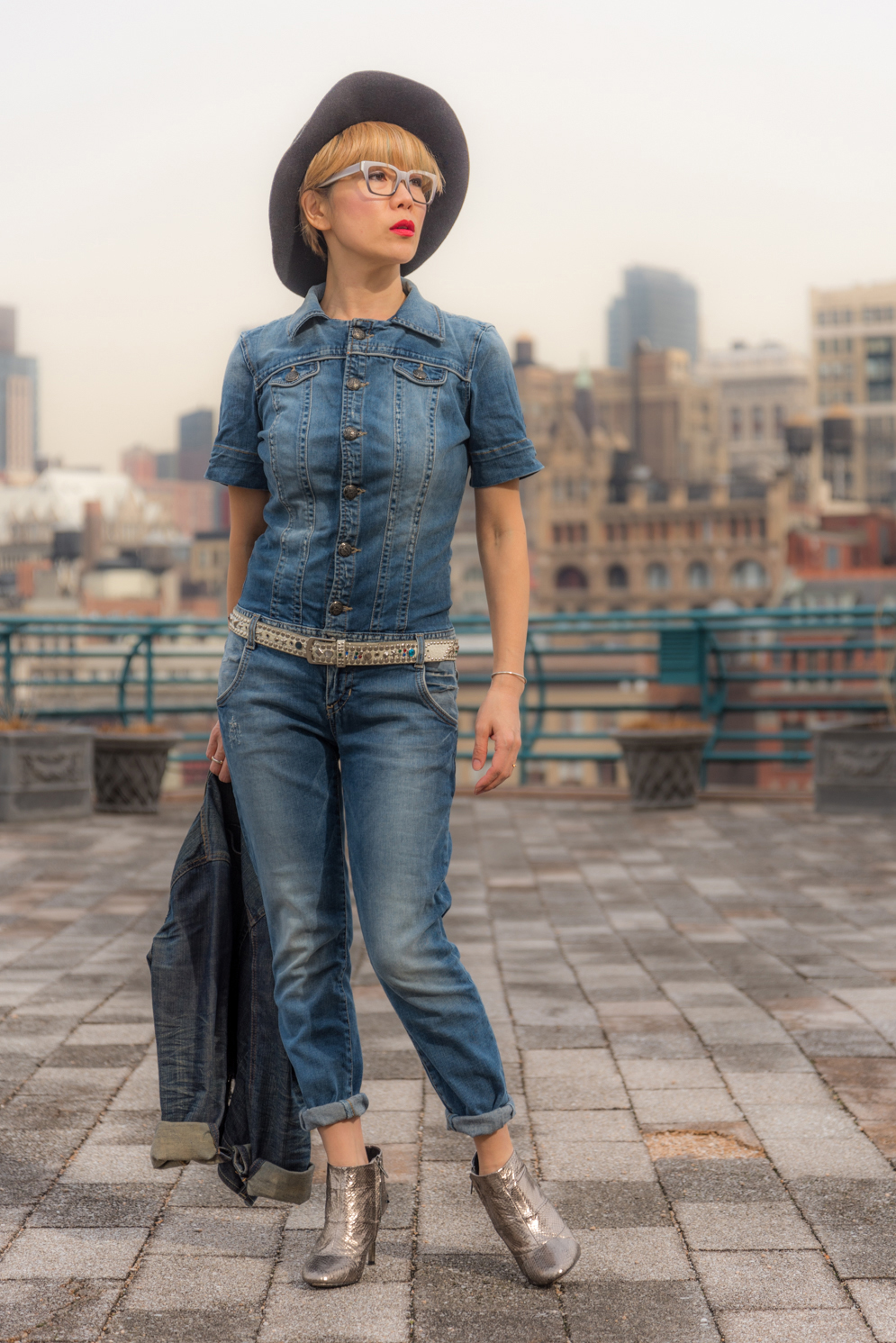 ROCK MAMA NYC LIFESTYLE BLOG - HOW TO WEAR DENIM ON DENIM