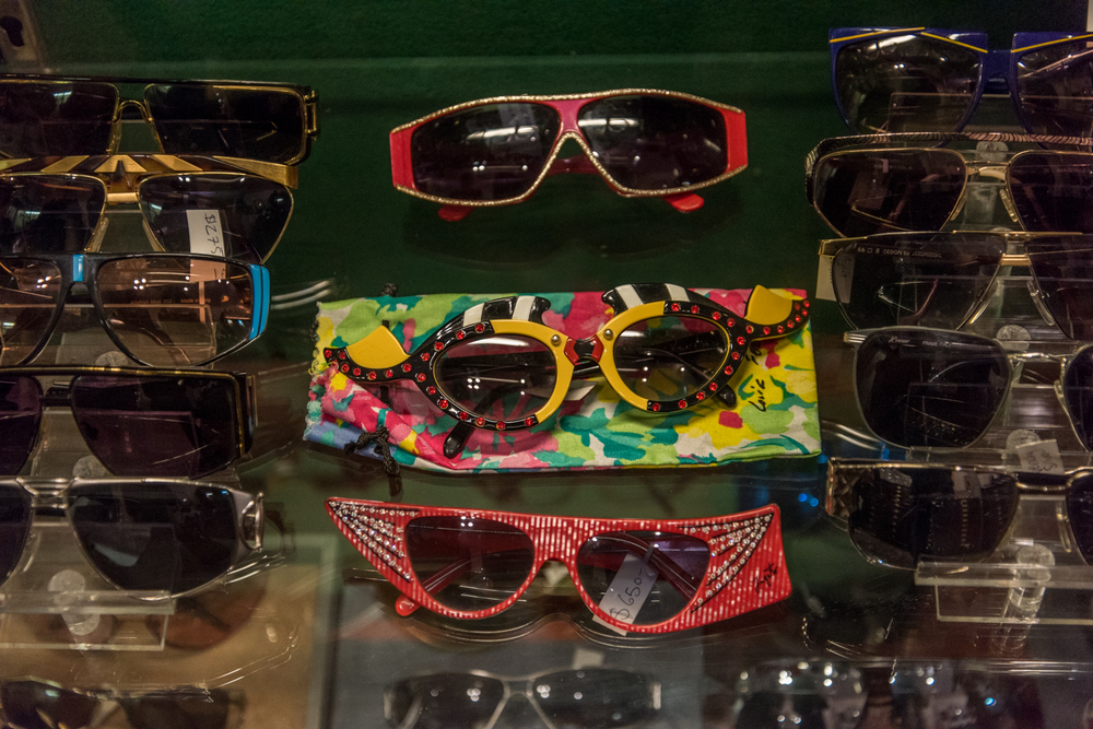 ROCK MAMA NYC LIFESTYLE BLOG - EAST VILLAGE VINTAGE EYEWEAR STORE - FABULOUS FANNYS