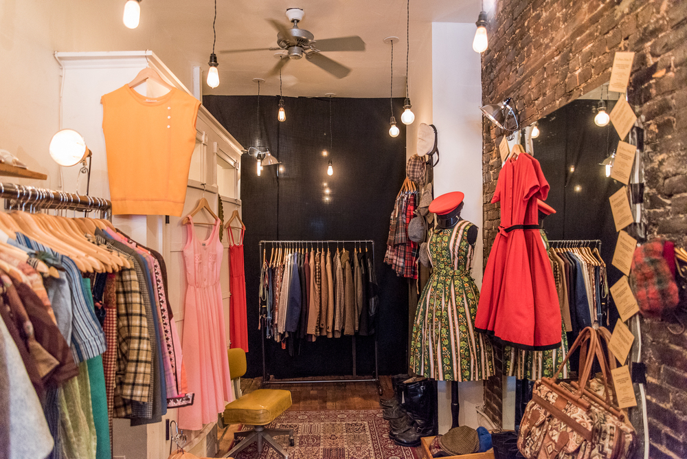 ROCK MAMA NYC LIFESTYLE BLOG - SPECIAL VINTAGE CLOTHING STORE IN THE EAST VILLAGE - GLASGOW VINTAGE NYC