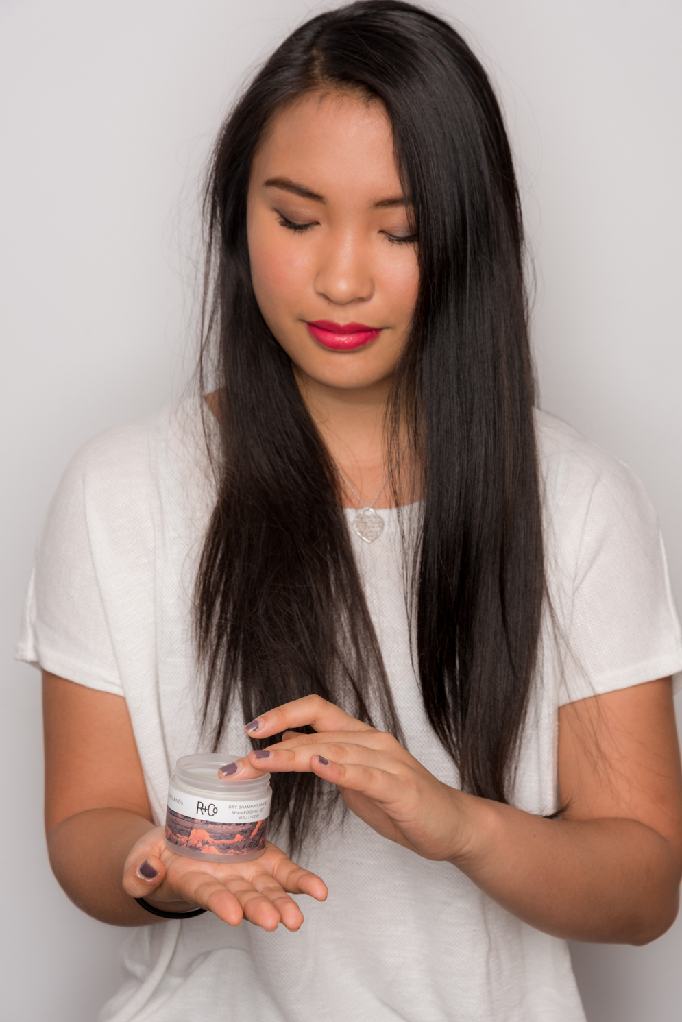 ROCK MAMA NYC LIFESTYLE BLOG - HOW TO USE DRY SHAMPOO