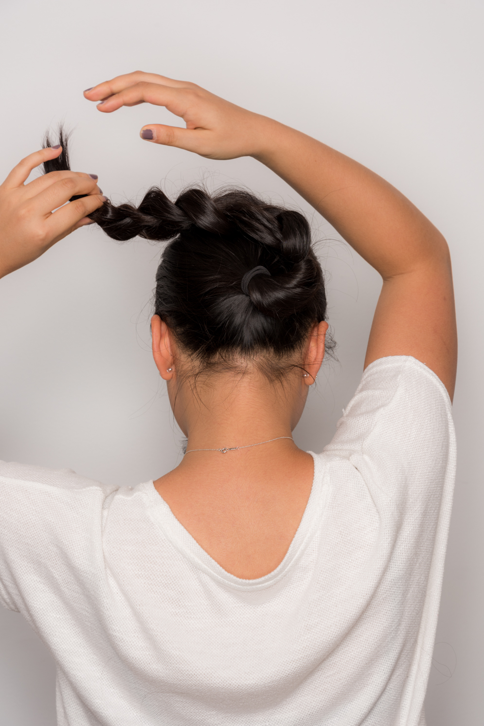 ROCK MAMA NYC LIFESTYLE BLOG - HOW TO MAKE A STYLISH BUN