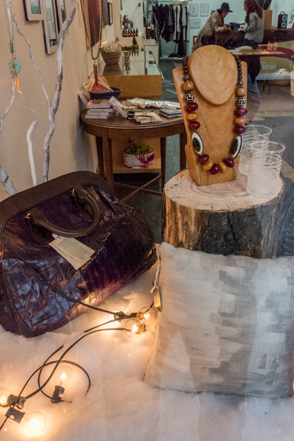 ROCK MAMA NYC LIFESTYLE BLOG - LOWER EAST SIDE HOLIDAY POP-UP