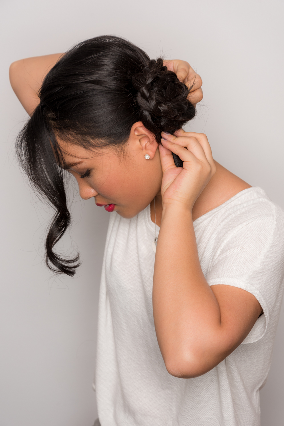 ROCK MAMA NYC LIFESTYLE BLOG - HOW TO MAKE A STYLISH SIDE BUN