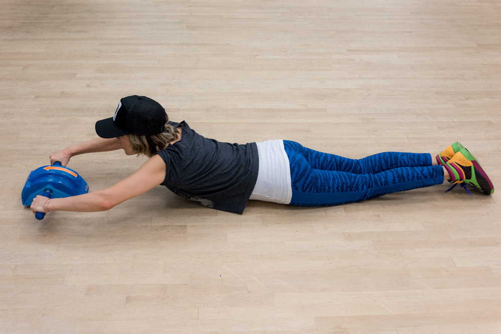 ROCK MAMA NYC LIFESTYLE BLOG - AB SLIDE - EASY WORKOUT AT HOME