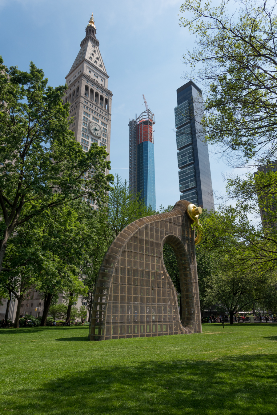 ROCK MAMA NYC LIFESTYLE BLOG - MADISON SQUARE ART - MARTIN PURYEAR