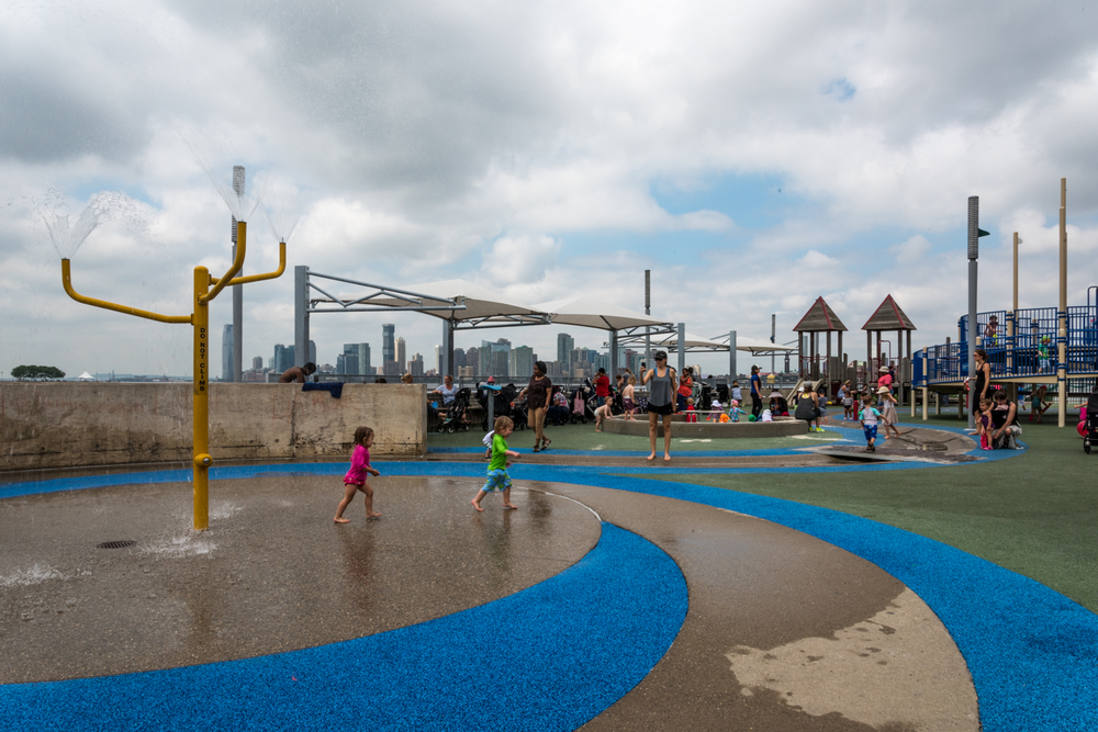 ROCK MAMA NYC LIFESTYLE BLOG-THE BEST KID'S WATER PARK IN NEW YORK CITY - PIER51