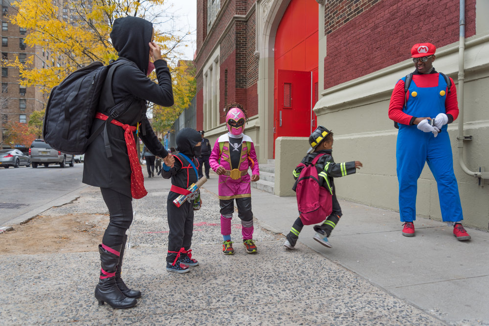 ROCK MAMA NYC   LIFESTYLE BLOG -  WHERE TO TRICK OR TREAT IN NYC