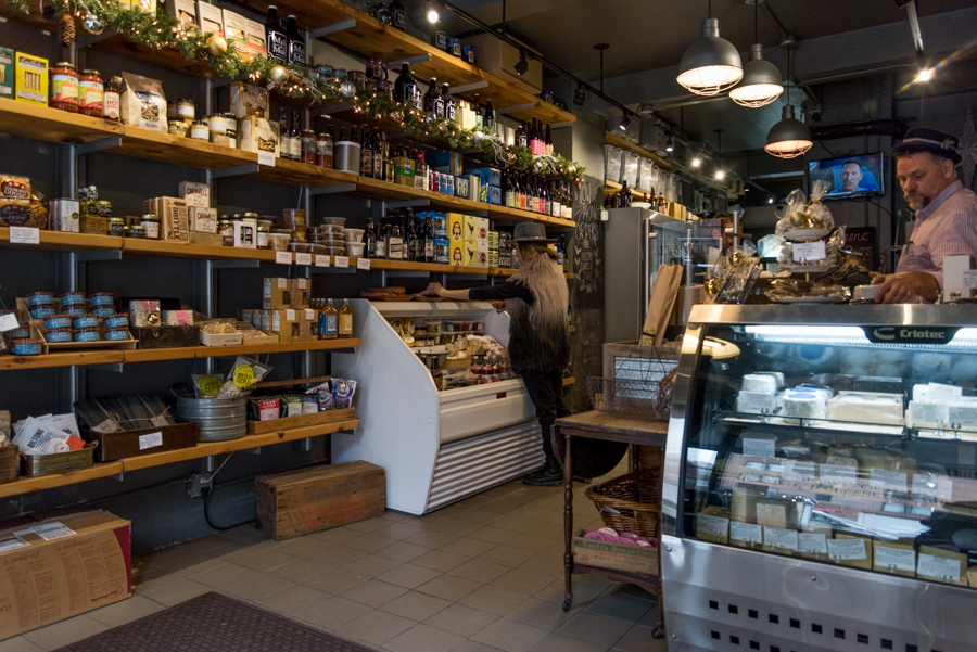 ROCK MAMA NYC LIFESTYLE BLOG-COOL GOURMET CHEESE & BEER SHOP IN NYC - MALT AND MOLD