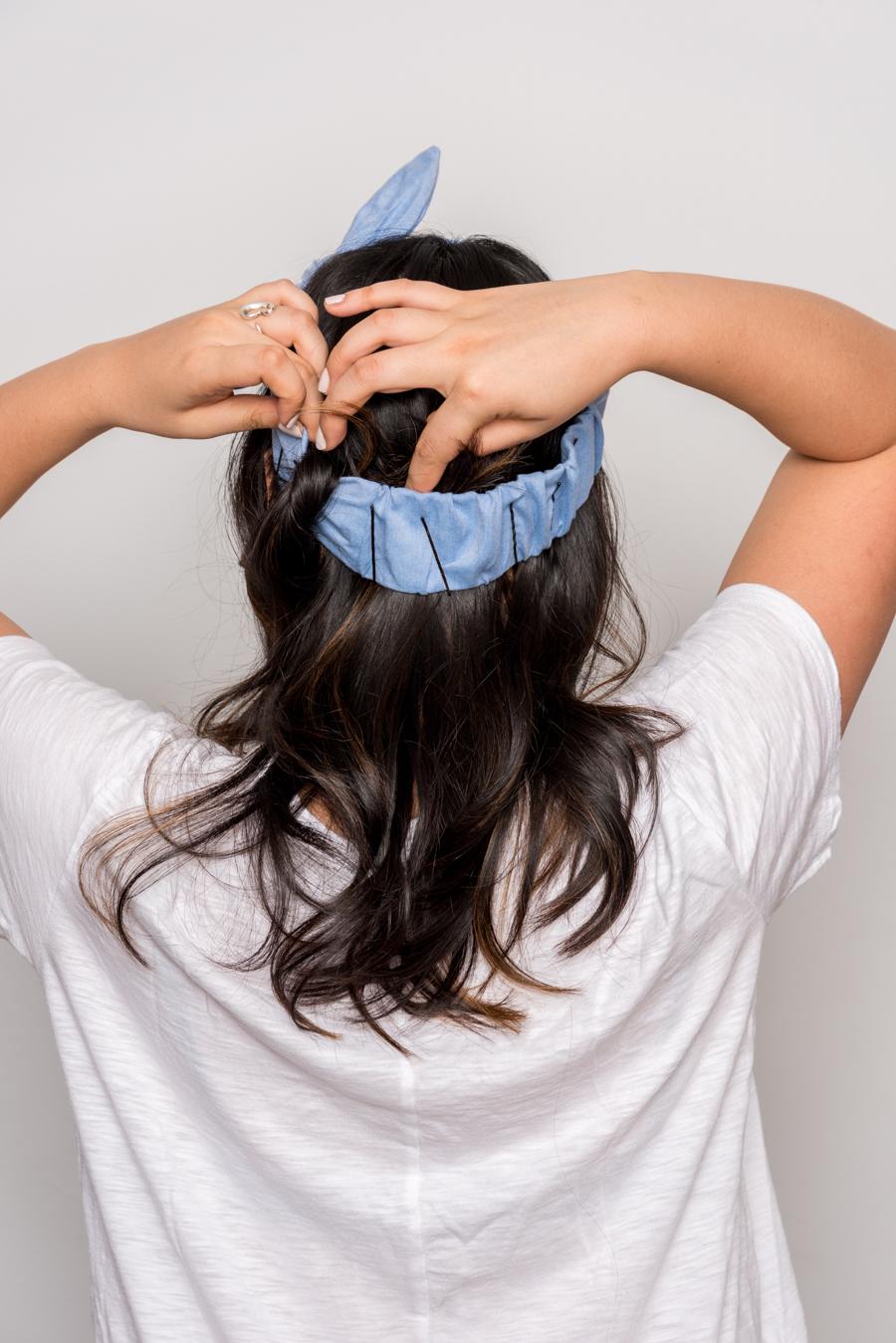 How To Do An Easy Headband Updo 夏にオススメの簡単ヘアアレンジ 6