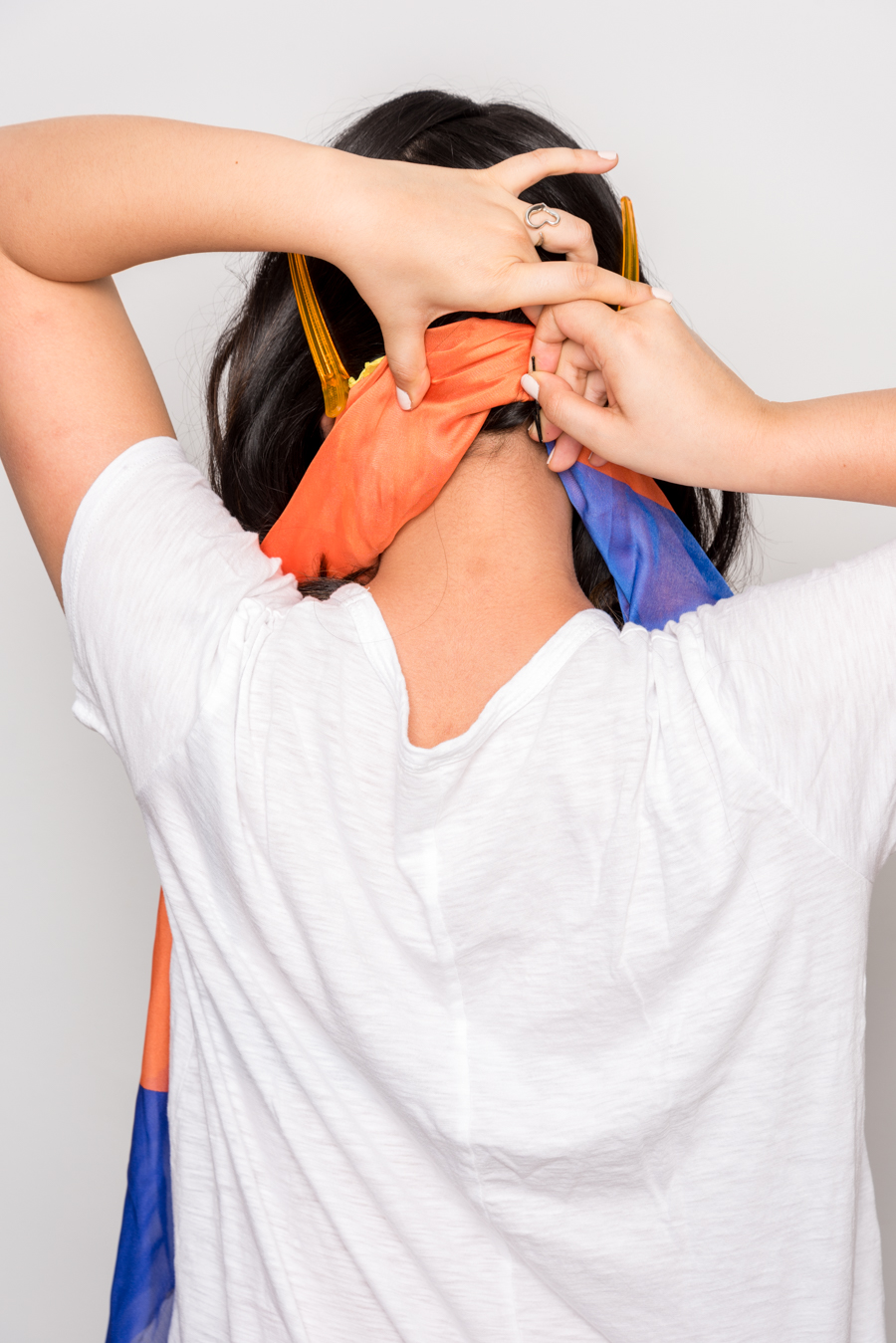 How To Use A Scarf For Stylish Summer Hair スカーフを使った簡単ヘアアレンジ 4