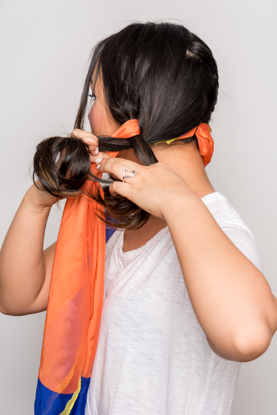 How To Use A Scarf For Stylish Summer Hair スカーフを使った簡単ヘアアレンジ 6