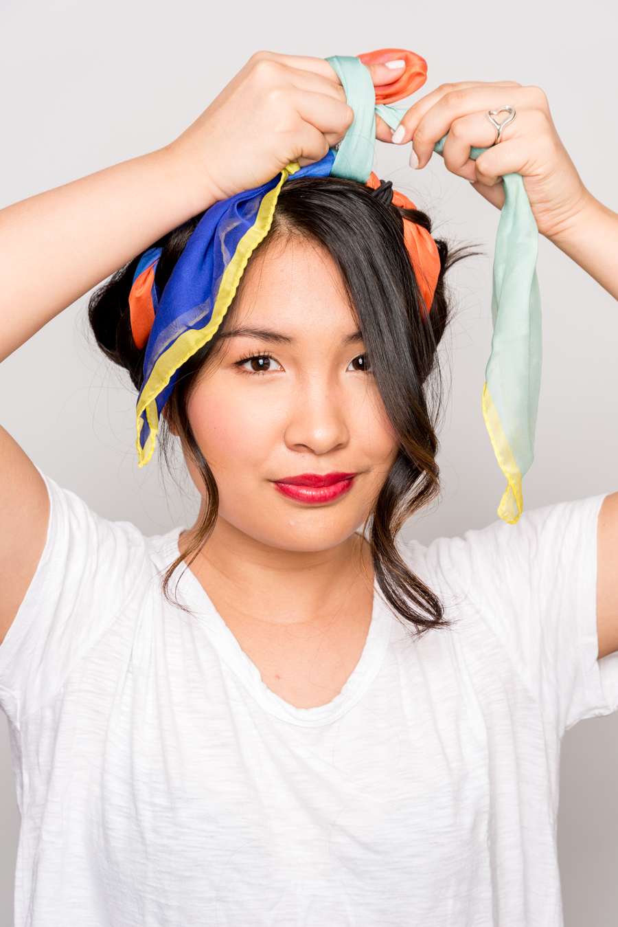 How To Use A Scarf For Stylish Summer Hair スカーフを使った簡単ヘアアレンジ 12