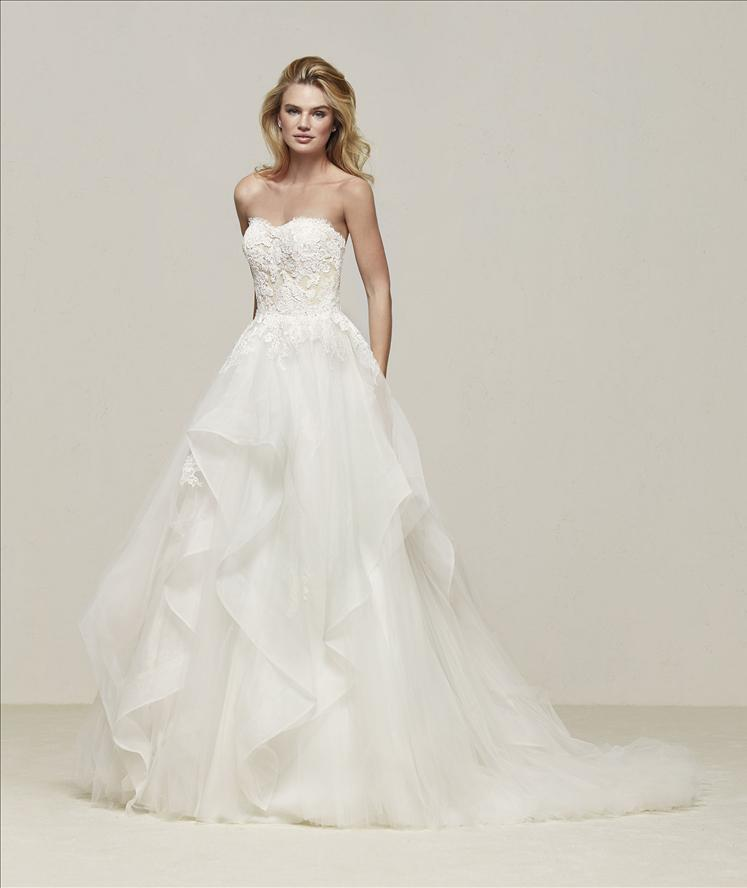 PRONOVIAS ~ DRAVAL   Colour: Off White/Nude  Size: 12  RRP $2,800    Reduced to $1,400