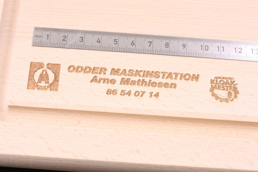 Gravering på trae - Odder Maskinstation