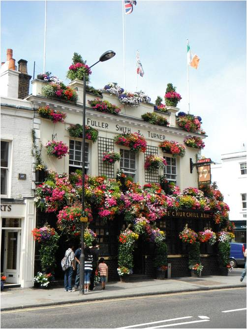 RICH THING OF THE MOMENT:  Churchill Arms Pub - by far a fave pub in London…also has the most epic thai food in the city #RICHplaces   great pic via  Anthropologie