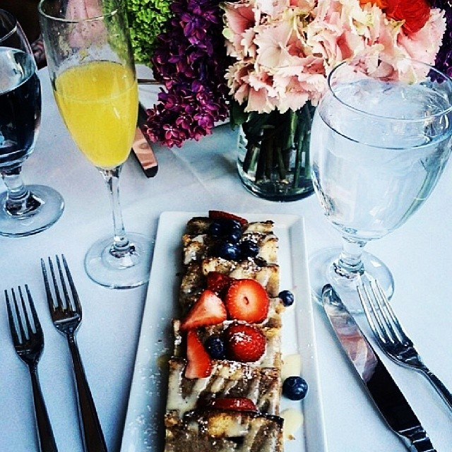 Got to celebrate #katemossxtopshop w/ french toast and American girls today! Thank you @topshop #personalshopping 《#Regram @rackedla + @lustforlife》 (at The Whisper Restaurant and Lounge)