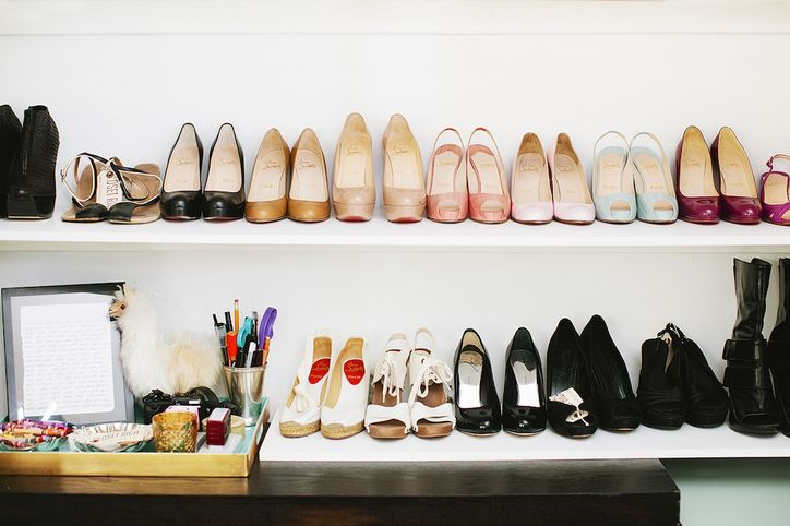 glamour :     Inside the online consignment shop  Closet Rich , in this edition of  Chic Peek .