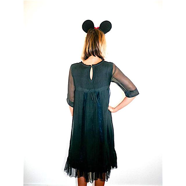 Swildens short sleeve black babydoll dress with lace detailing, $80.00 (size: s, condition: great) #swildens #fashion #dress #designer #black #babydoll #blackdress #littleblackdress #lotd #ootd #whatiwore #closetrich
