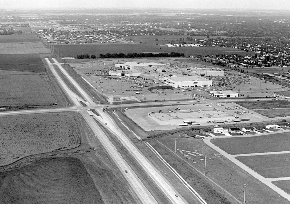 One month after the mall was opened at the intersection of Wabash Avenue and Illinois 4, not much else in the area existed.