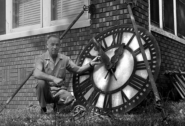 clock from demolished city hall?, June 29, 1961