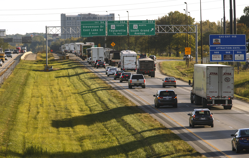 Southbound traffic on I-55 slows down at the South Grand exit Wednesday, Sept. 24, 2014. Illinois State police are encouraging motorists on southbound I-55 to slow down and watch out for traffic backups due to construction in the southbound lanes.   Ted Schurter/The State Journal-Register