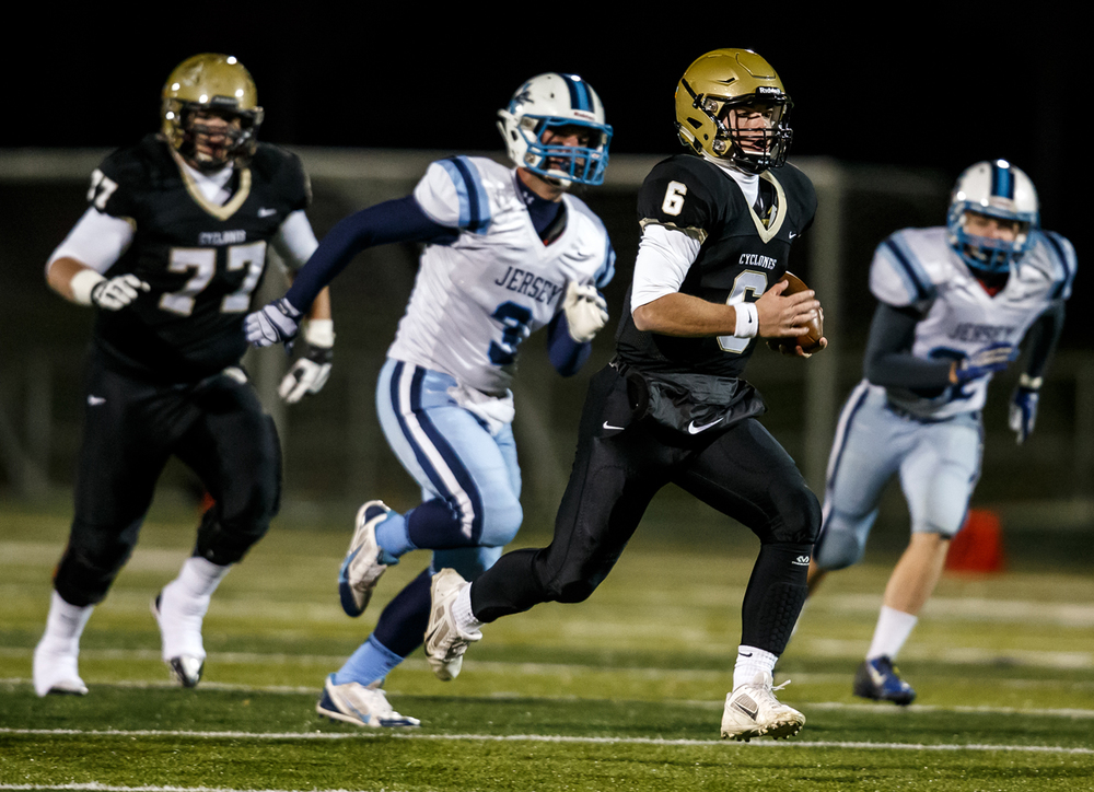 Sacred Heart-Griffin quarterback Gabe Green (6) takes off on a 38-yard touchdown run against Jerseyville during the first half of a Class 5A first round playoff game at the Sacred Heart-Griffin Sports Complex, Friday, Oct. 31, 2014, in Springfield, Ill. Justin L. Fowler/The State Journal-Register