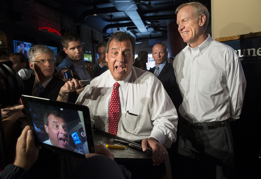 New Jersey Gov. Chris Christie campaigns for Illinois gubernatorial candidate Bruce Rauner at the Brickhouse Grill and Pub in downtown Springfield, Ill., Wednesday, Sept. 10, 2014.  Ted Schurter/The State Journal-Register