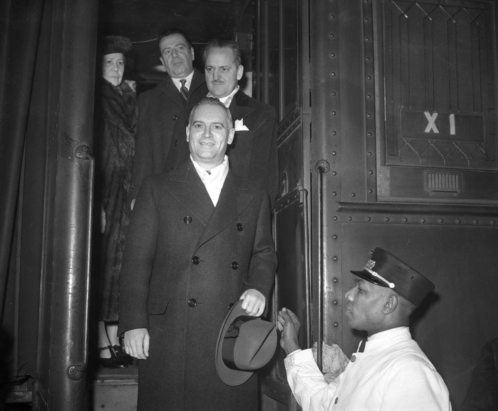 Gov. elect Dwight Green arrives in Springfield for inauguration to his first term as governor Jan. 12, 1941. File/The State Journal-Register