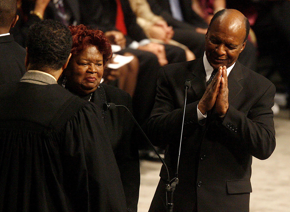 Jesse White is sworn in as Secretary of State Jan. 13, 2003 at the Prairie Capital Convention Center. File/The State Journal-Register