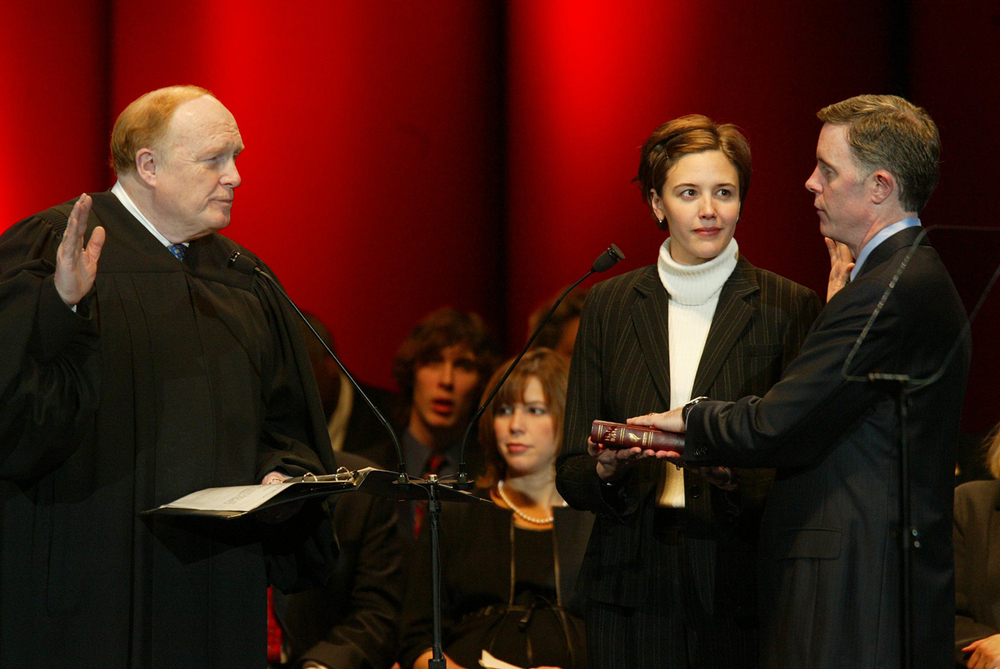 Illinois Appellate Court Judge Neil Hartigan administers the oath of office to Comptroller Dan Hynes Jan. 13, 2003 at the Prairie Capital Convention Center. File/The State Journal-Register
