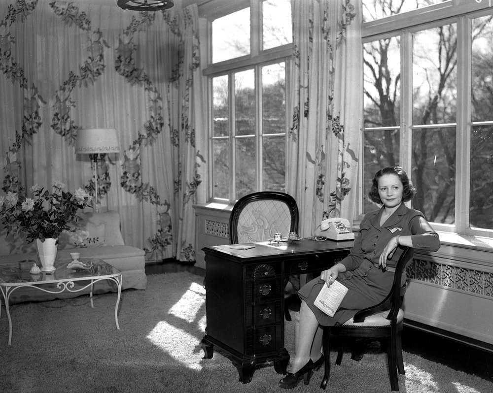 Mrs. Mabel Green, Illinois' First Lady, wife of Gov. Dwight Green, in Executive Mansion. March 9, 1942. File/The State Journal-Register