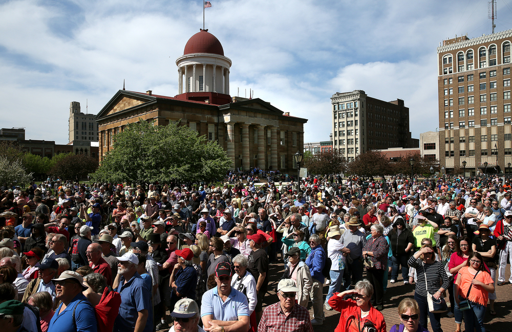 Thousands of spectators gathered outside the Old State Capitol in downtown Springfield and wait for the start of the official funeral ceremony to begin. David Spencer/The State Journal-Register