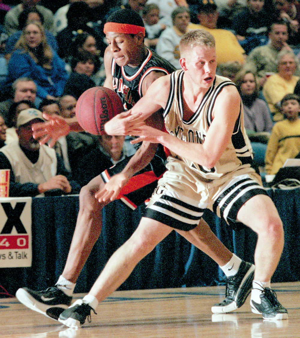 Lanphier's Andre Iguodala steals the ball away from Sacred Heart-Griffin's Adam Young Jan. 30, 2001.Ted Schurter/The State Journal-Register8BIM