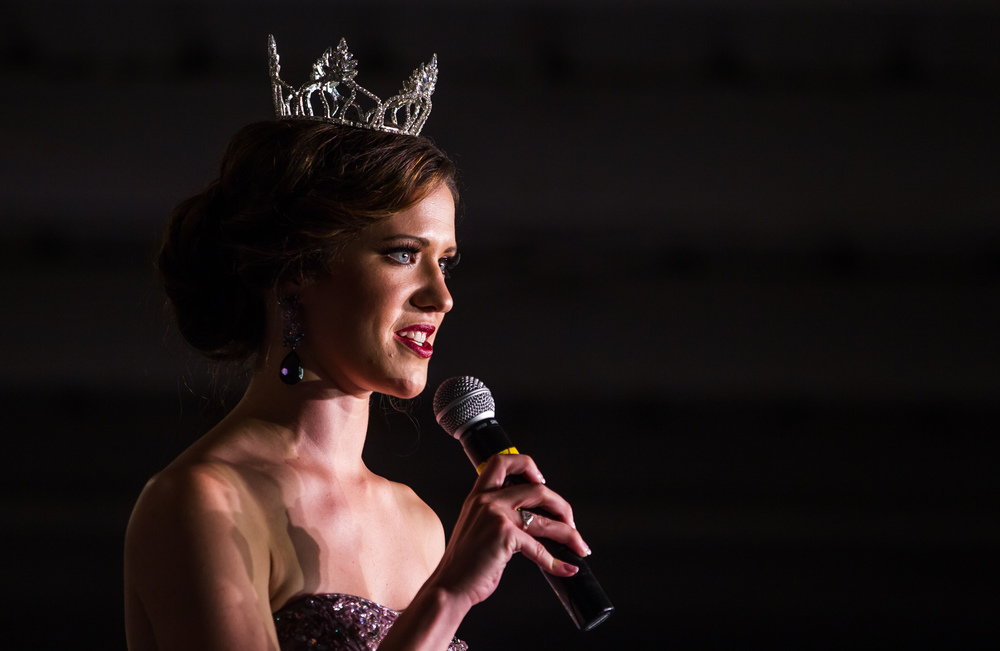 Anna Washko, Miss Sangamon County Fair Queen 2014, gives her farewell speech during the 57th Annual Sangamon County Fair Queen Pageant at the Sangamon County Fairgrounds, Wednesday, June 17, 2015, in New Berlin, Ill. Justin L. Fowler/The State Journal-Register