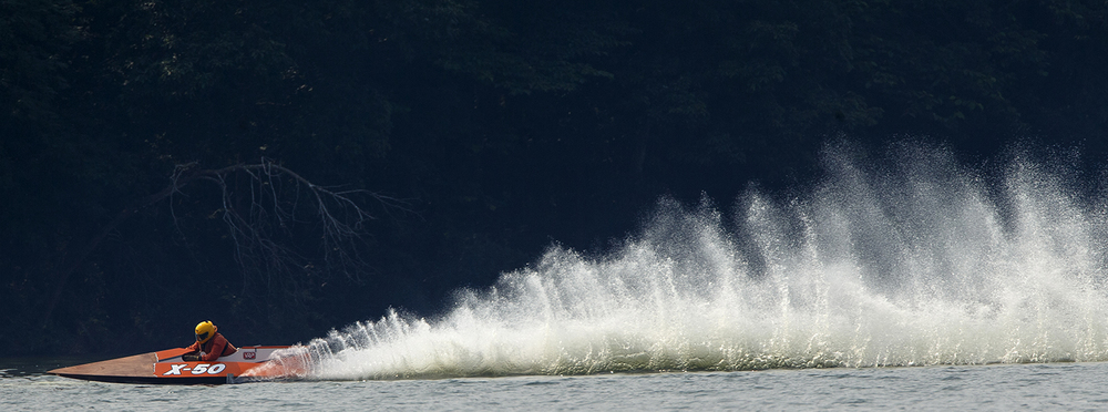 Mike Krier's runabout leaves a long wake during the US Title Series race at Lake Springfield Sunday, July 7, 2015. Ted Schurter/The State Journal-Register