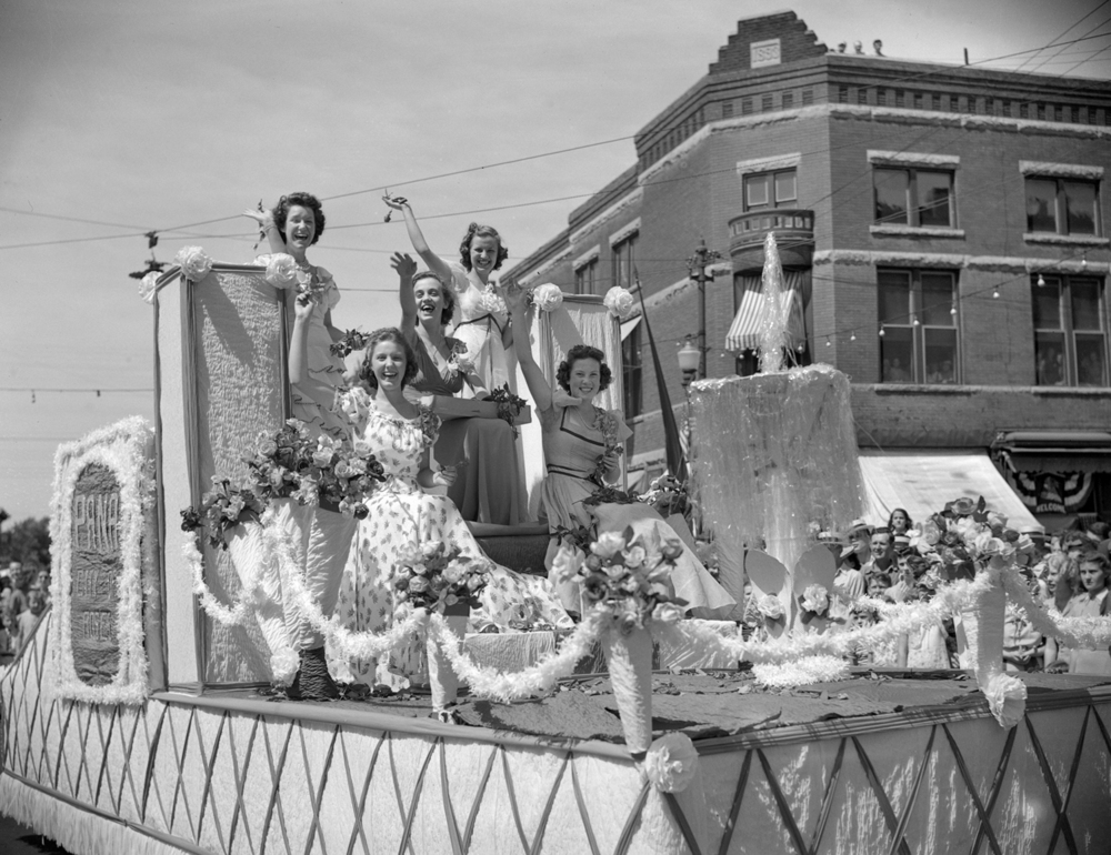 """Pana's """"most beautiful girls"""" represented the Christian County community known as the City of Roses because of its nursery industry, in the Taylorville centennial celebration parade July 25, 1939. File/The State Journal-Register"""