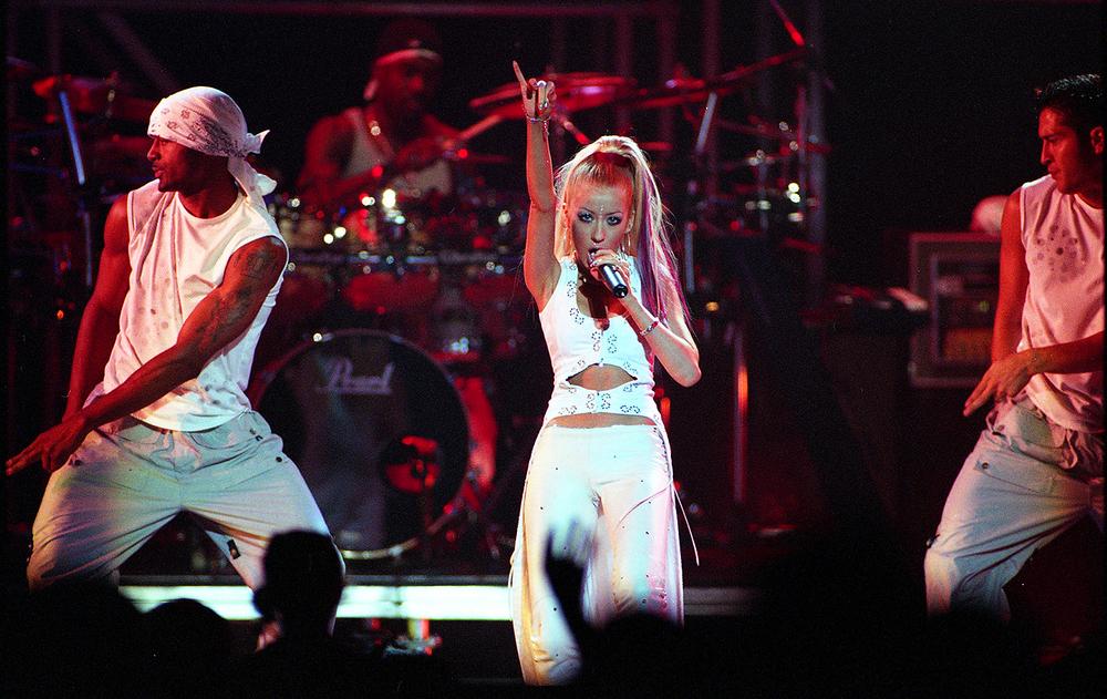2000: Christina Aguilera.