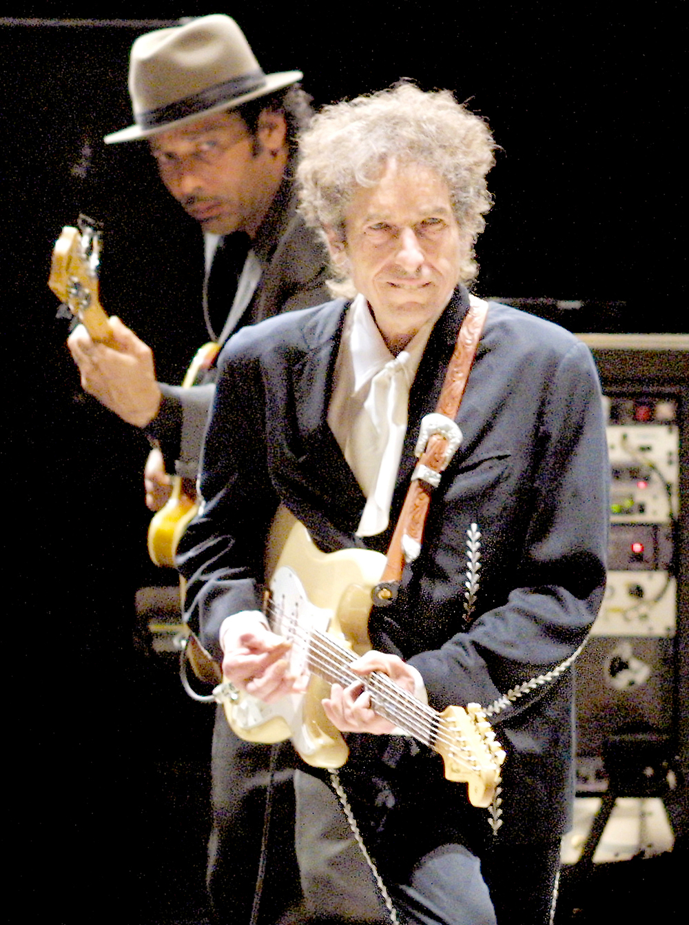 2001: Singer-songwriter and American music legend Bob Dylan. Dylan also performed in 1989.