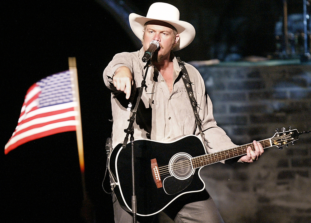 2002: Toby Keith.