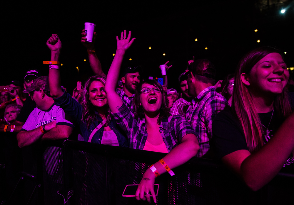 Fans cheer on Hank Williams Jr. as he performs on the Grandstand stage at the Illinois State Fair, Friday, Aug. 21, 2015, in Springfield, Ill. Justin L. Fowler/The State Journal-Register