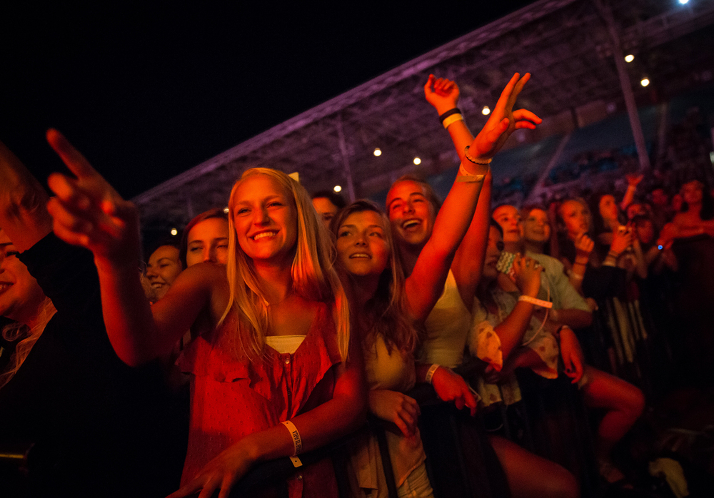 Fans cheer on The Fray as they perform during their Grandstand concert at the Illinois State Fairgrounds, Thursday, Aug. 20, 2015, in Springfield, Ill. Justin L. Fowler/The State Journal-Register
