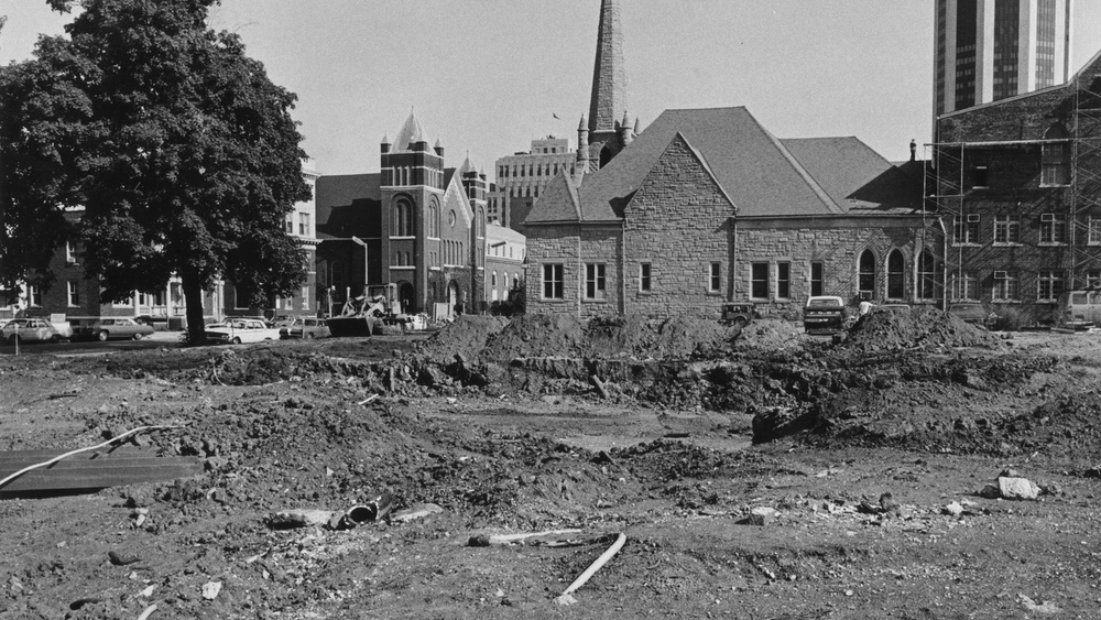 1975: Construction of the visitor's center at Seventh and Jackson streets begins. Courtesy Sangamon Valley Collection at Lincoln Library
