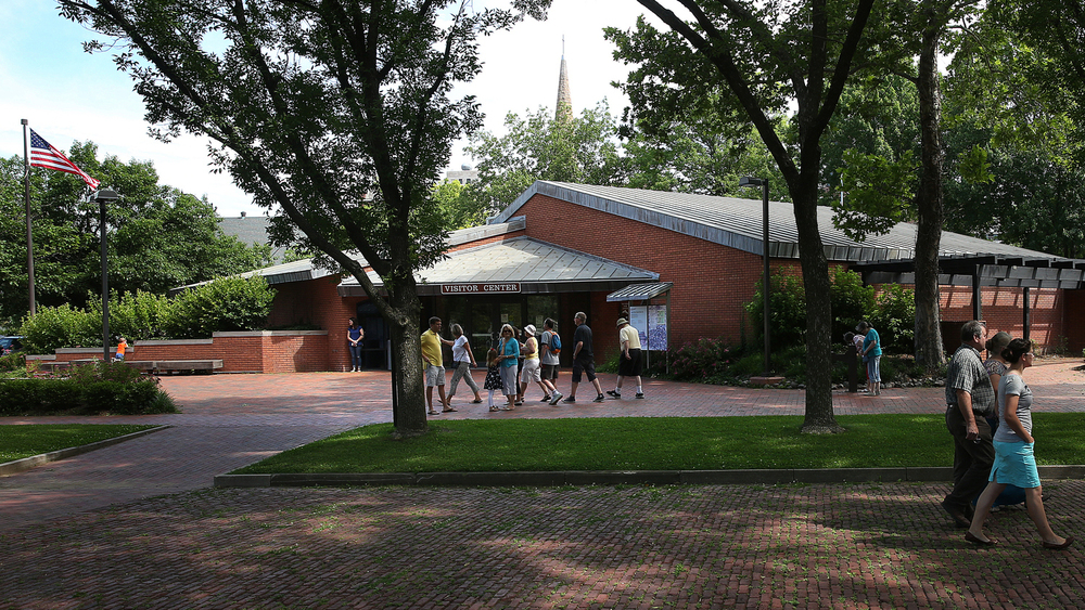 The visitors center was designed by Springfield architect Wally Henderson and opened in 1977.