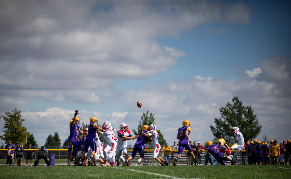 Pleasant Plains' Kai Carlberg (7) misses a field goal attempt against Williamsville in the first half at Paul Jenkins Field, Saturday, Sept. 19, 2015, in Williamsville, Ill. Justin L. Fowler/The State Journal-Register