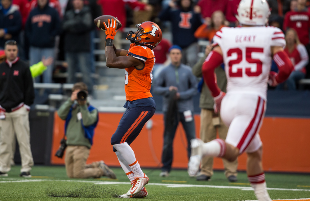 Illinois Fighting Illini wide receiver Marchie Murdock (16) pulls in a wide open 22-yard touchdown pass against Nebraska in the fourth quarter at Memorial Stadium, Saturday, Oct. 3, 2015, in Champaign, Ill. Justin L. Fowler/The State Journal-Register