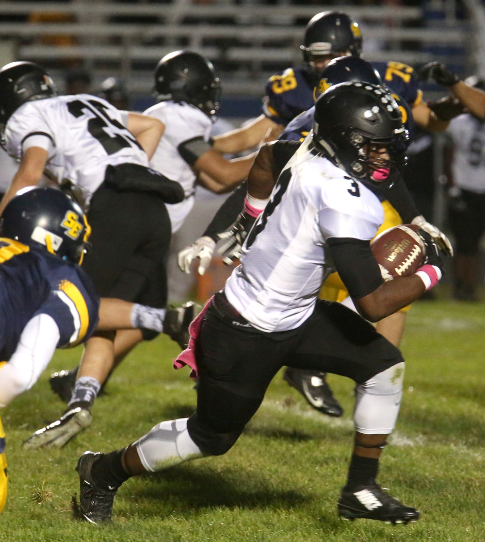 Panthers ball carrier Mekhi Peoples runs for yardage late in the first half. David Spencer/The State Journal-Register